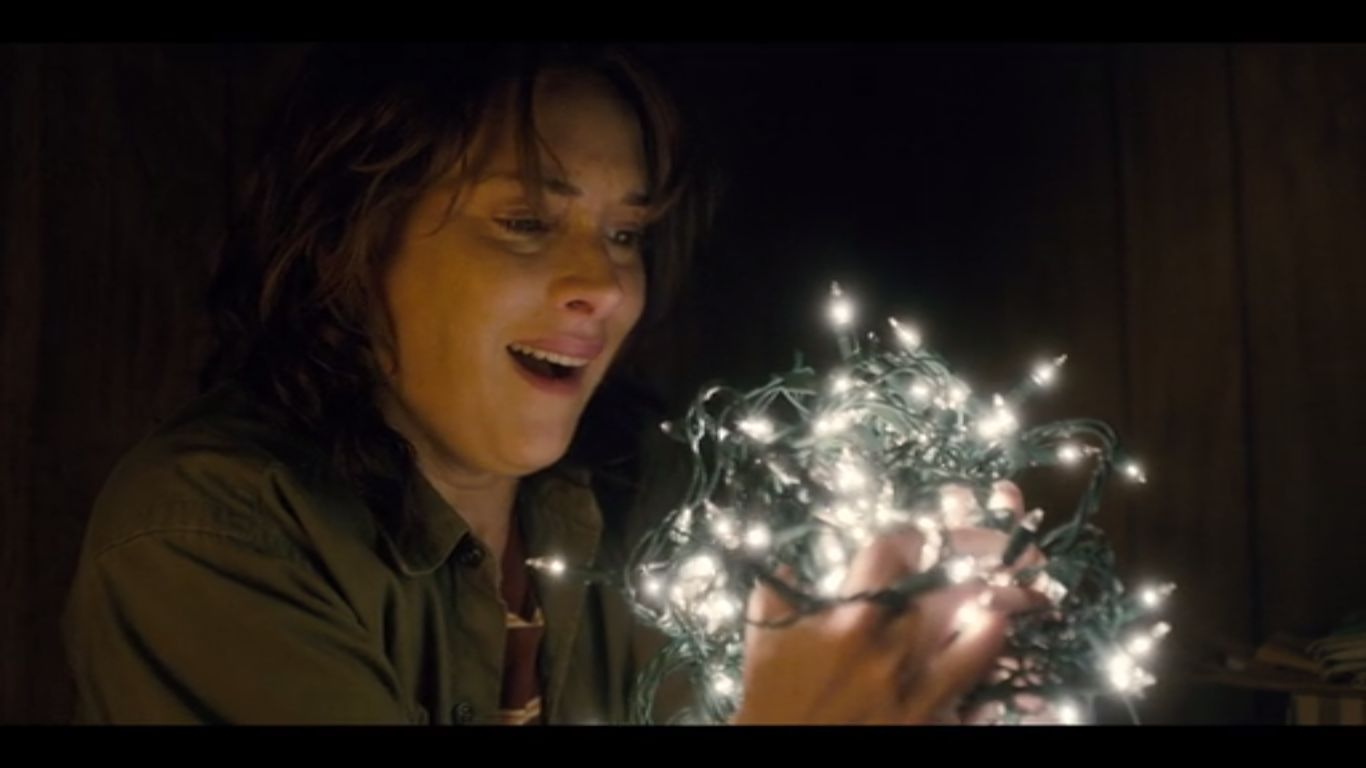 Stranger Things Recap Quot Chapter Three Holly Jolly Quot 1x03